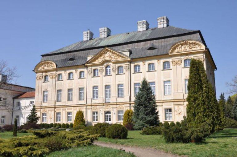 Das Schloss der Bischöfe von Poznań in Ciążeń