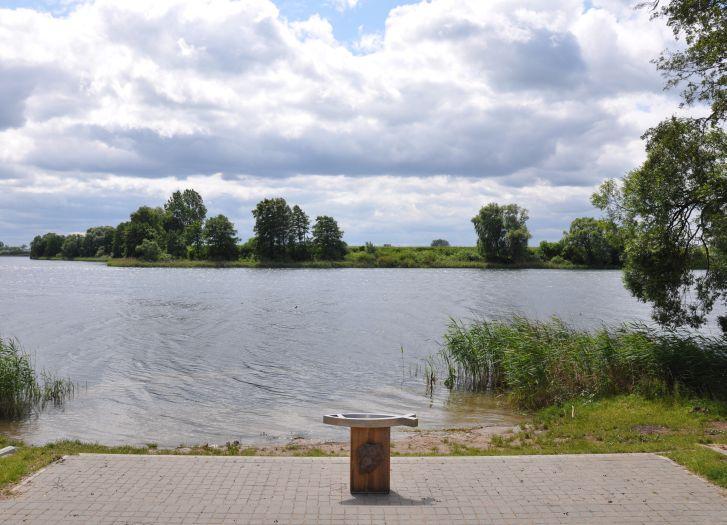Blick auf den Lednica-See