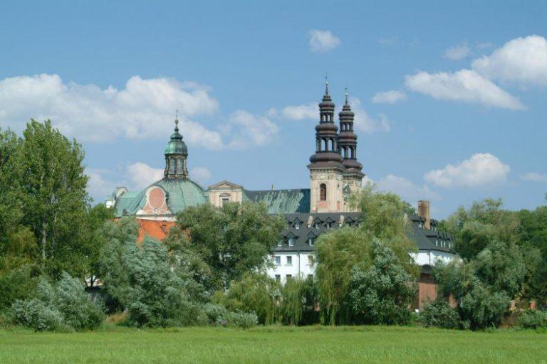 Ehemaliges Zisterzienserkloster in Ląd