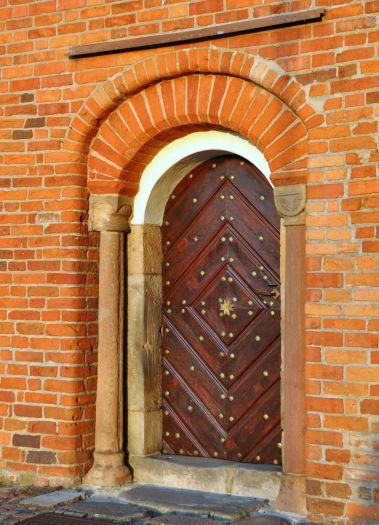 Portal der Kirche des hl. Johannes von Jerusalem in Poznań