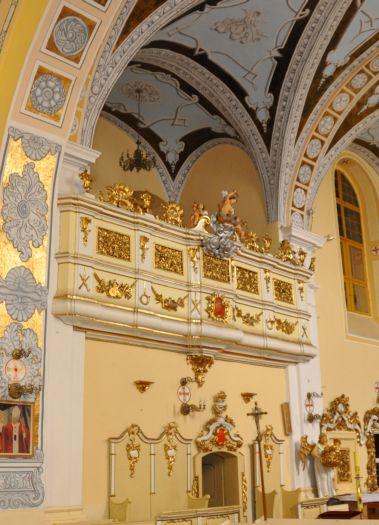 In der Kirche in Ołobok