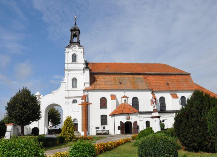 Herb Die Kirche des hl. Johannes des Evangelisten in Ołobok