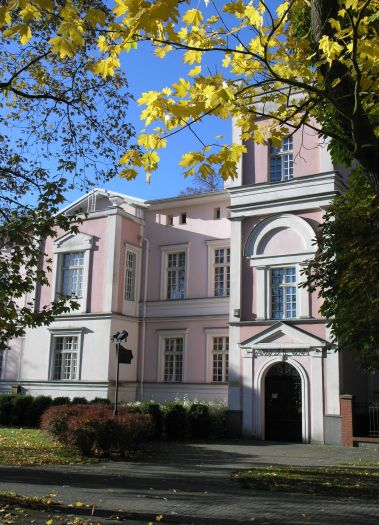Herb Das Stanisław-Staszic-Bezirksmuseum in Piła (Schneidemühl)