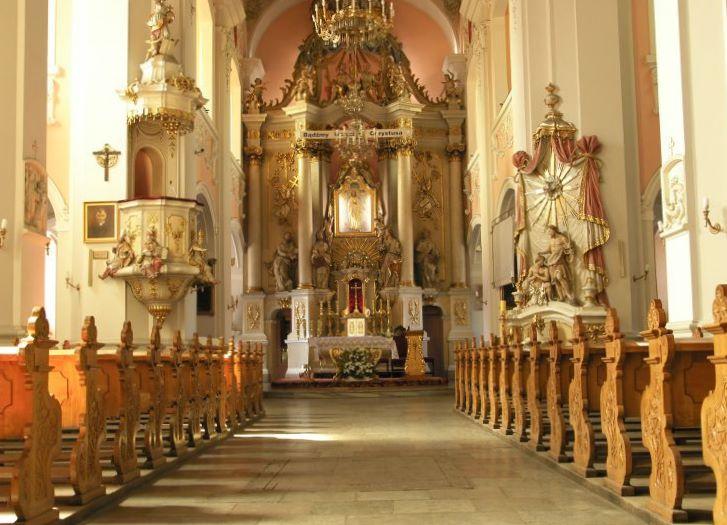 Das Hauptschiff der Pfarrkirche in Wolsztyn