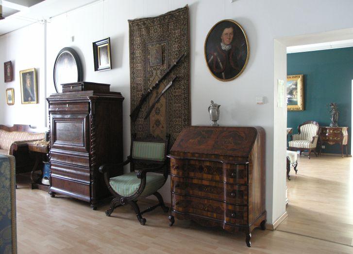 Historische bürgerliche Interieurs in Bezirksmuseum in Piła