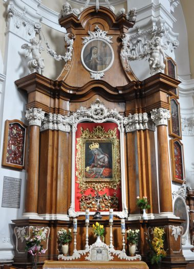 The Our-Lady-of-Osieczna altar