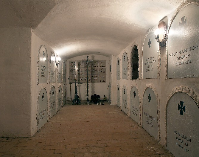 The Former Cistercian Church of the Assumption of Our Lady in Wągrowiec: the cloister crypts