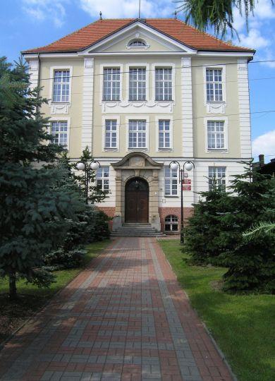 The local grammar school building