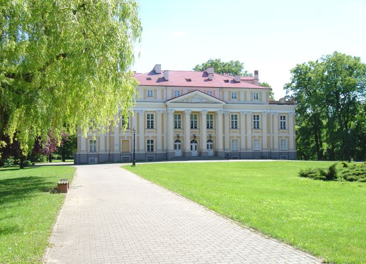 The palace in Objezierze