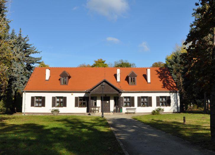 Dworek Muzeum Marii Dąbrowskiej w Russowie