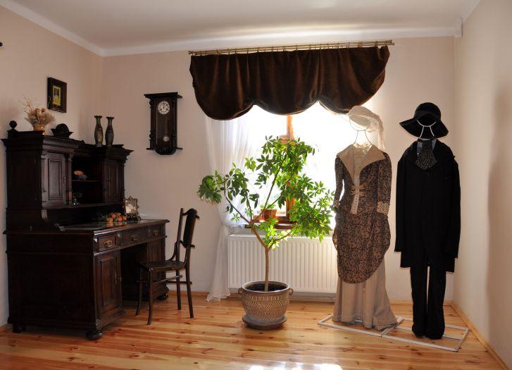 Fragment ekspozycji w Muzeum Marii Dąbrowskiej w Russowie