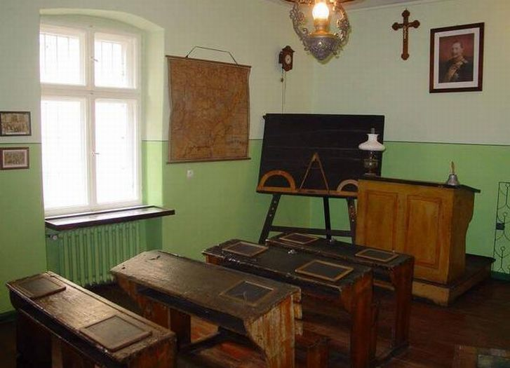 A classroom at the 'Children of Września' Regional Museum