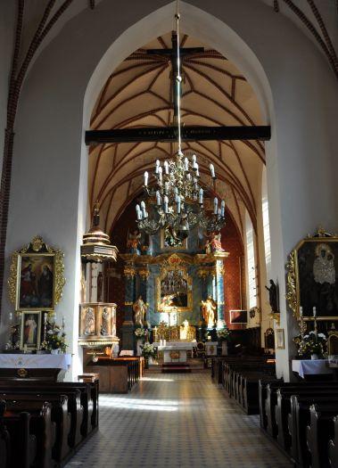 Kościół farny w Śremie. Nawa główna