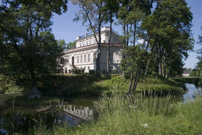 Herb Pałac we Włoszakowicach