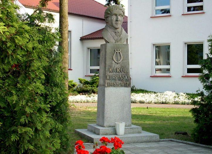 Pomnik Karola Kurpińskiego we Włoszakowicach