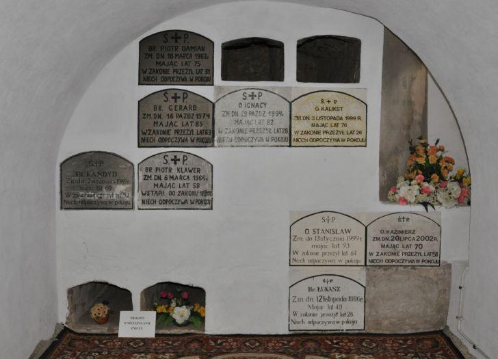 Krypta grobowa kamedułów w Bieniszewie