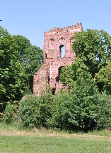 Ruiny zamku w Borysławicach Zamkowych