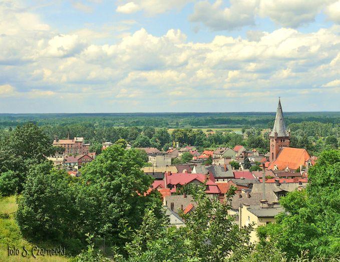 Panorama Czarnkowa z punktu widokowego na Górze Krzyżowej