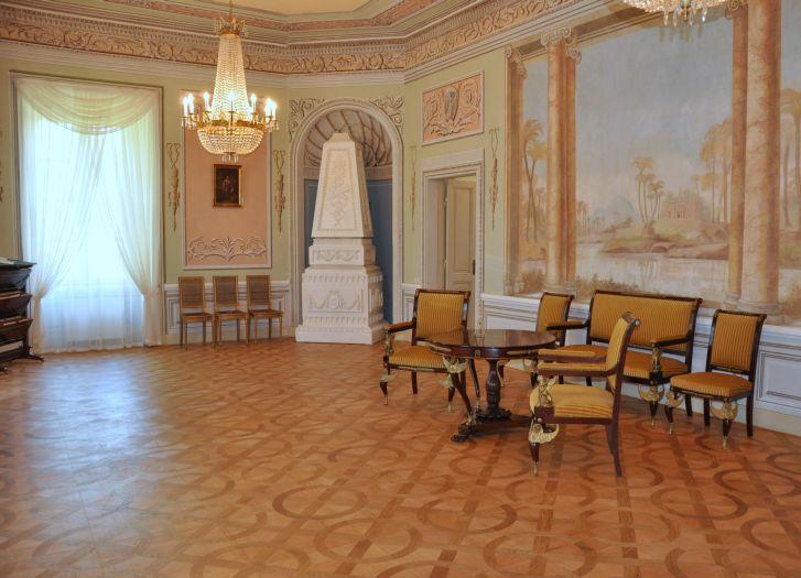 Wnętrza w pałacu w Dobrzycy