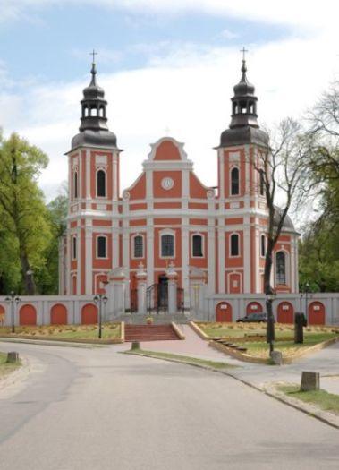 Herb Kościół pw. Narodzenia NMP w Lubaszu
