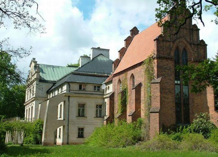 Pałac Chłapowskich w Turwi. Widok od strony parku