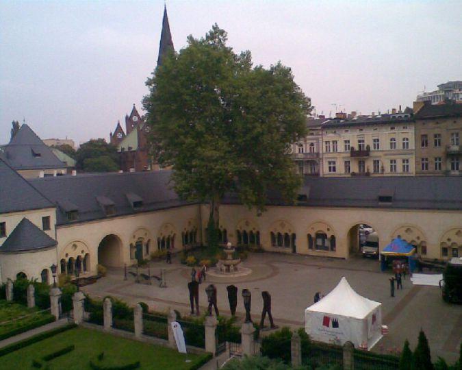 Dziedzieniec Masztalarni poznańskiego zamku cesarskiego
