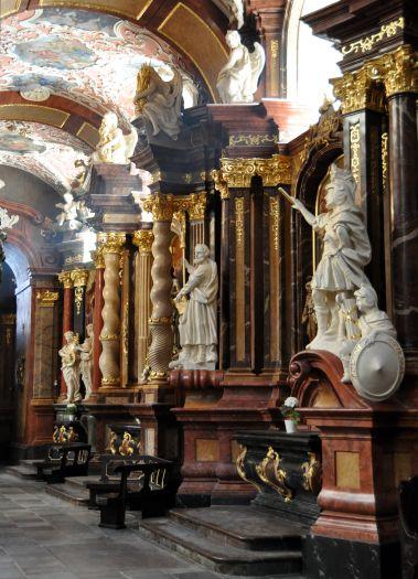 Nawa boczna w kościele farnym w Poznaniu