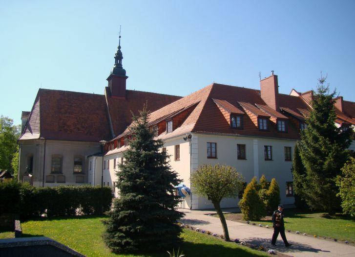 Kościół klasztorny Misjonarzy Świętej Rodziny pw. NMP Niepokalanie Poczętej  w Górce Klasztornej