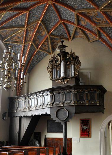 Organy w kaplicy św. Anny w gostyńskiej farze