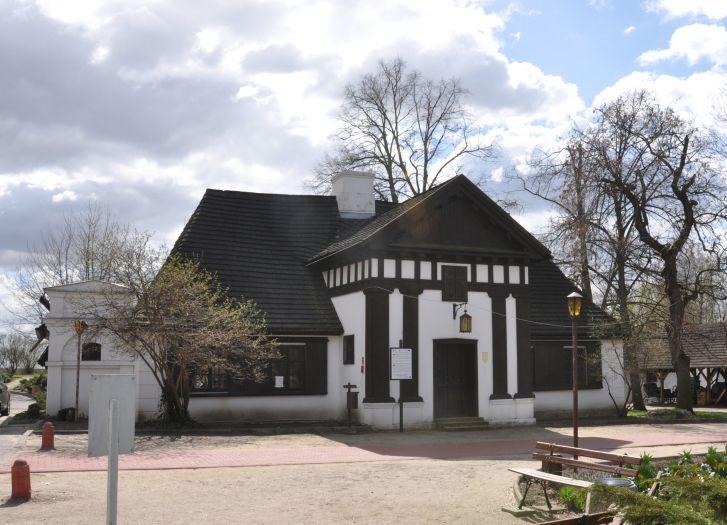 Dwór z Muzeum E.Bojanowskiego w Grabonogu