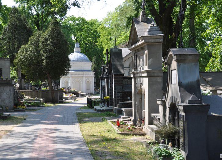 Zabytkowy cmentarz katolicki na Rogatce w Kaliszu