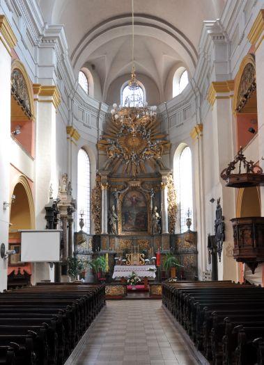 Nawa główna w kościele garnizonowym w Kaliszu