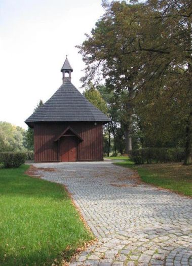 """Herb Kaplica pw. Świętego Krzyża """"Na Lipówce"""" we Wrześni"""