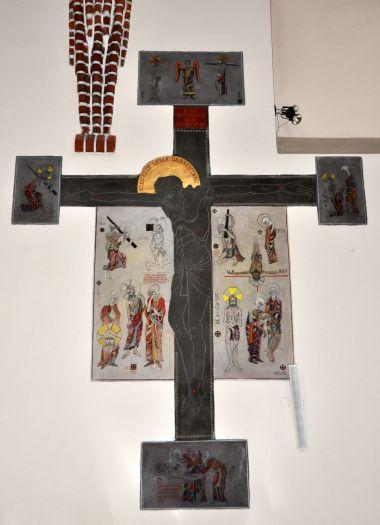 Chrystus ukrzyżowany (ma dwie lewe nogi !) w Kazimierzu Biskupim
