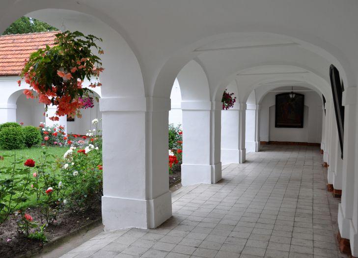 Krużganki w klasztorze w Kazimierzu Biskupim