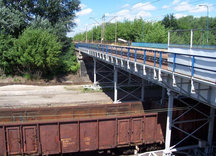 Skrzyżowanie torów kolejowych na dworcu w Kępnie