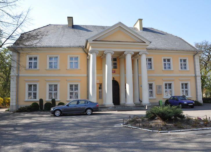 Herb Pałac w Kołaczkowie
