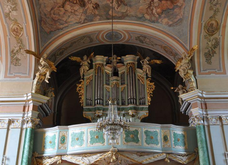 Prospekt organowy w kościele klasztornym w Kole