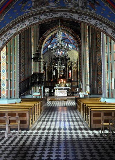Nawa główna kościoła farnego w Kole