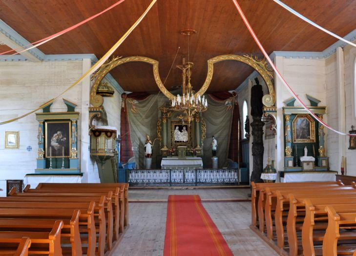 Ołtarz w kościele z Wartkowic w Dziekanowicach