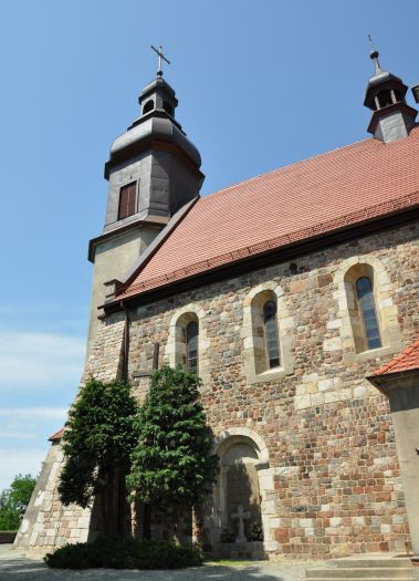 Romański kościół w Kotłowie