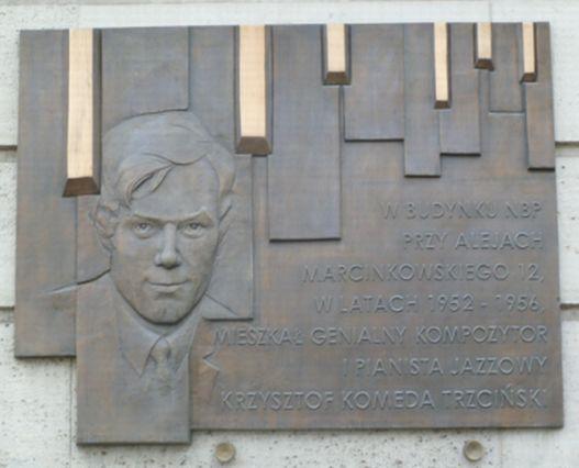 Tablica pamiątkowa na budynku NBP w Poznaniu