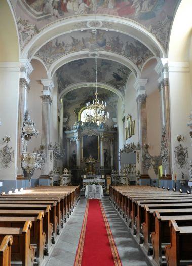 Kościół klasztorny oblatów w Obrze - nawa główna