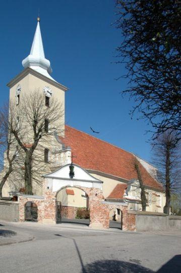 Kościół pw. Najświętszej Marii Panny Wniebowziętej w Ostrorogu