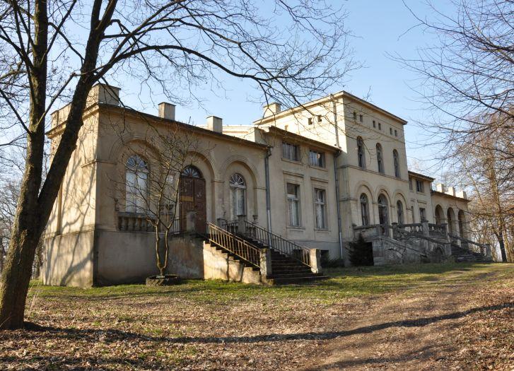 Pałac w Pakosławiu. Widok współczesny
