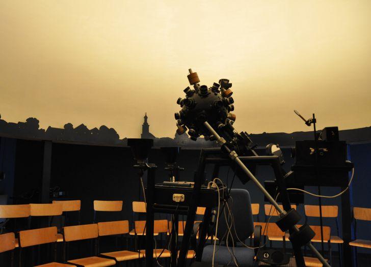 Herb Planetarium w Potarzycy