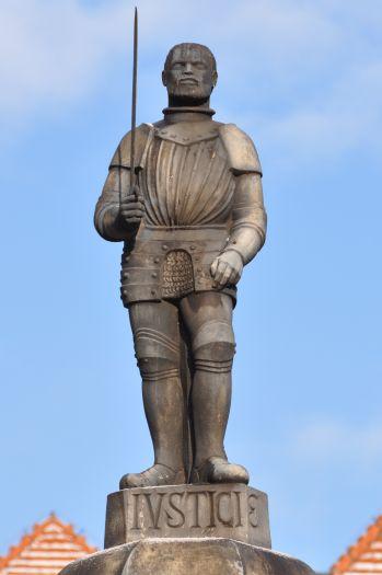Postać rycerza na poznańskim pręgierzu