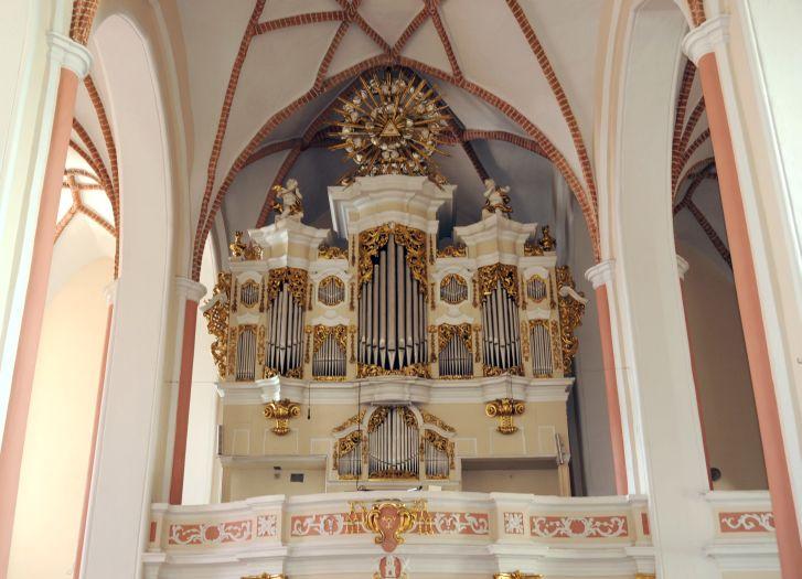 Prospekt organowy w kościańskim kościele farnym