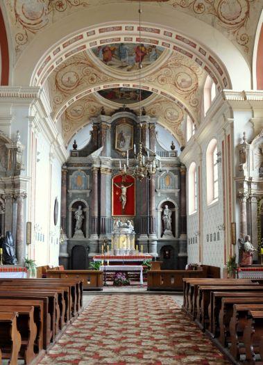 Nawa główna w kościele pofranciszkańskim w Pyzdrach