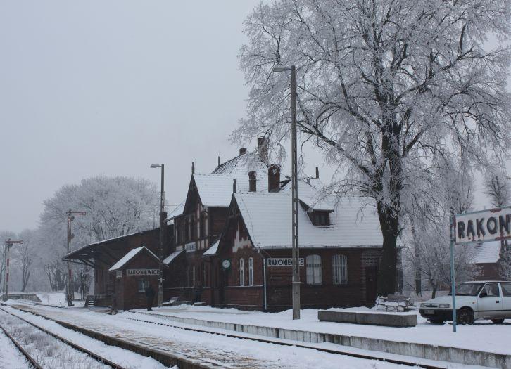 Stacja kolejowa w Rakoniewicach